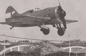 El avion Mosca inicia su depegue en el aerodromo de Cuatro Vientos